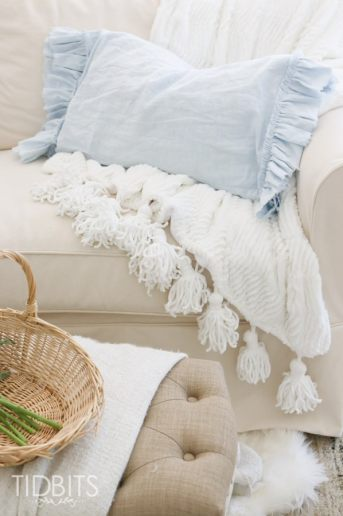 DIY Ruffled and Frayed Pillowcase