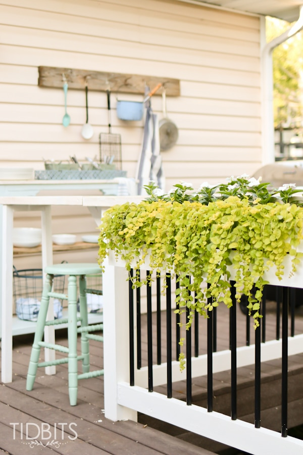 Deck Makeover by TIDBITS.