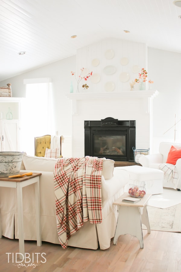 Fall is full of cottage charm in this light and bright, yet cozy living room by TIDBITS.