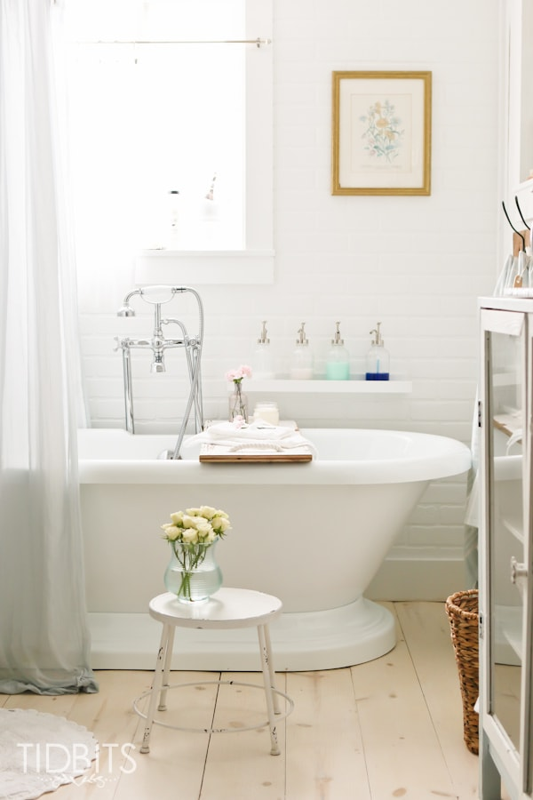 Bathroom refresh my bathroom cleaning essentials tidbits for Bathroom decor essentials