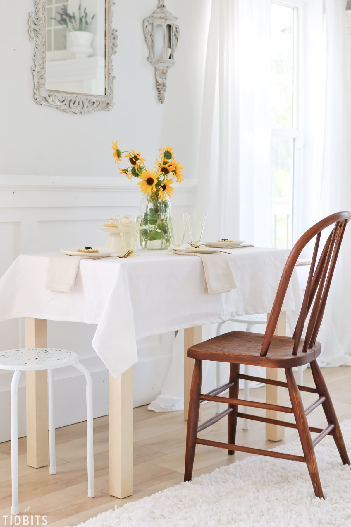 Simple Sunflower Fall Tablescape - Tidbits