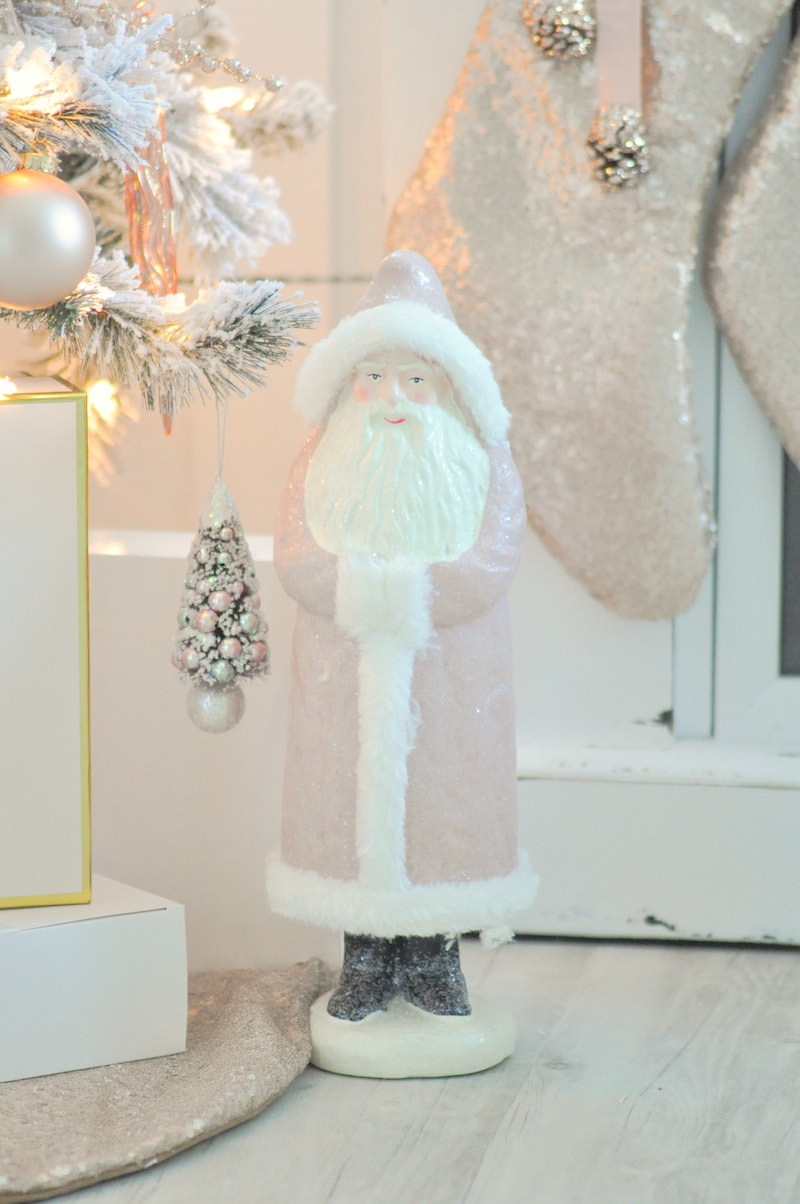 http://karaspartyideas.com/2016/11/blush-pink-vintage-christmas-tree.html