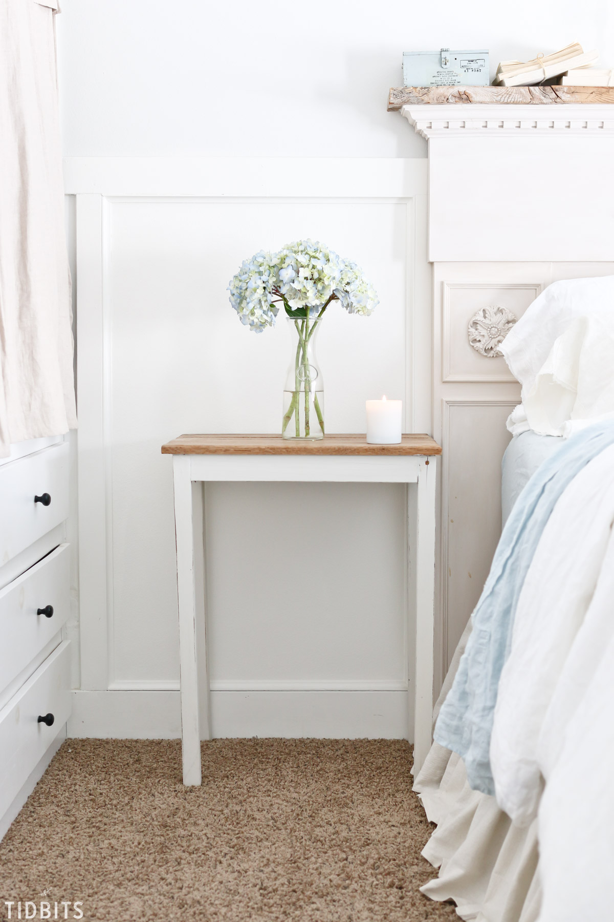 Simple bedroom nightstand decor