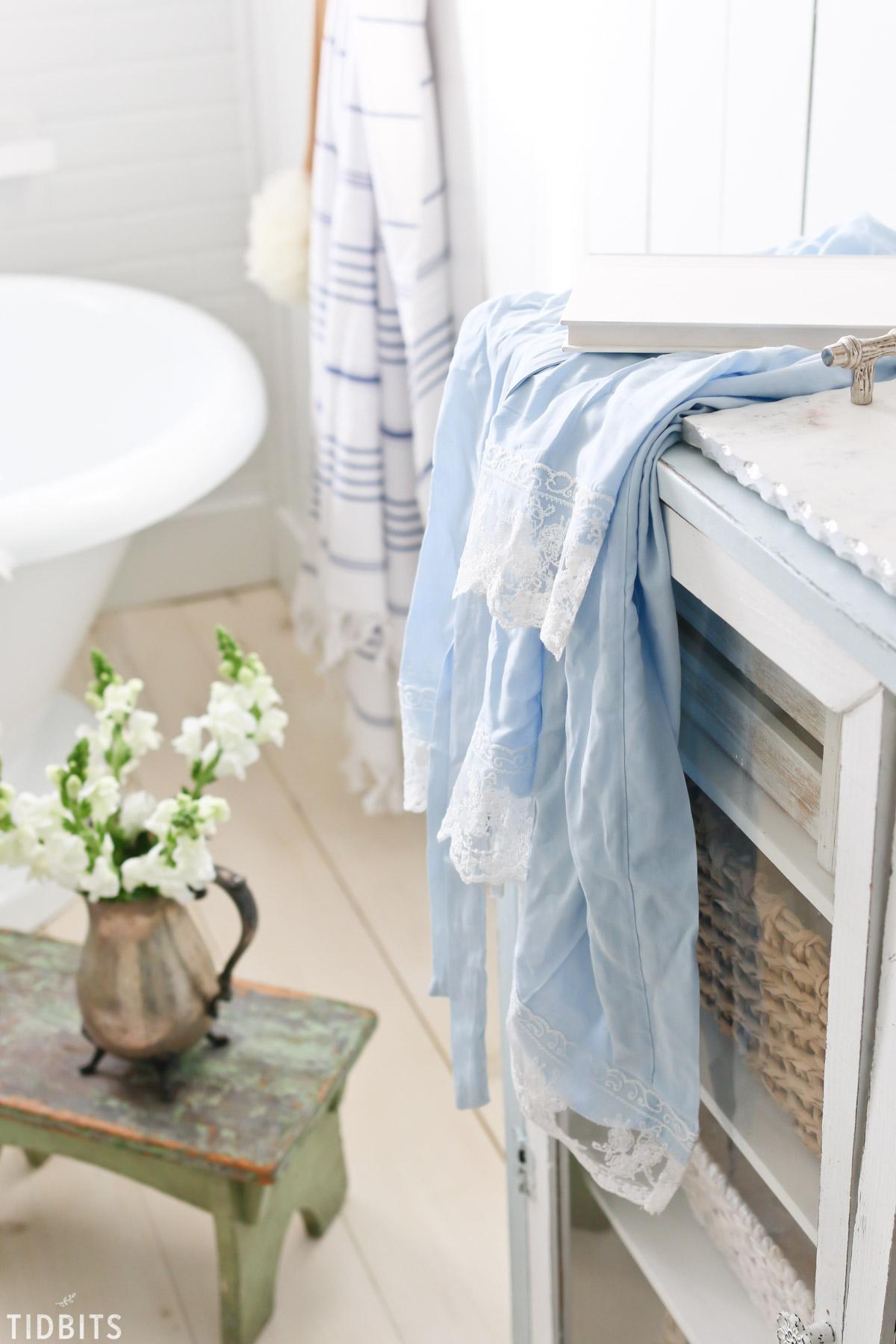 Cottage Farmhouse Spring Bathroom Refresh