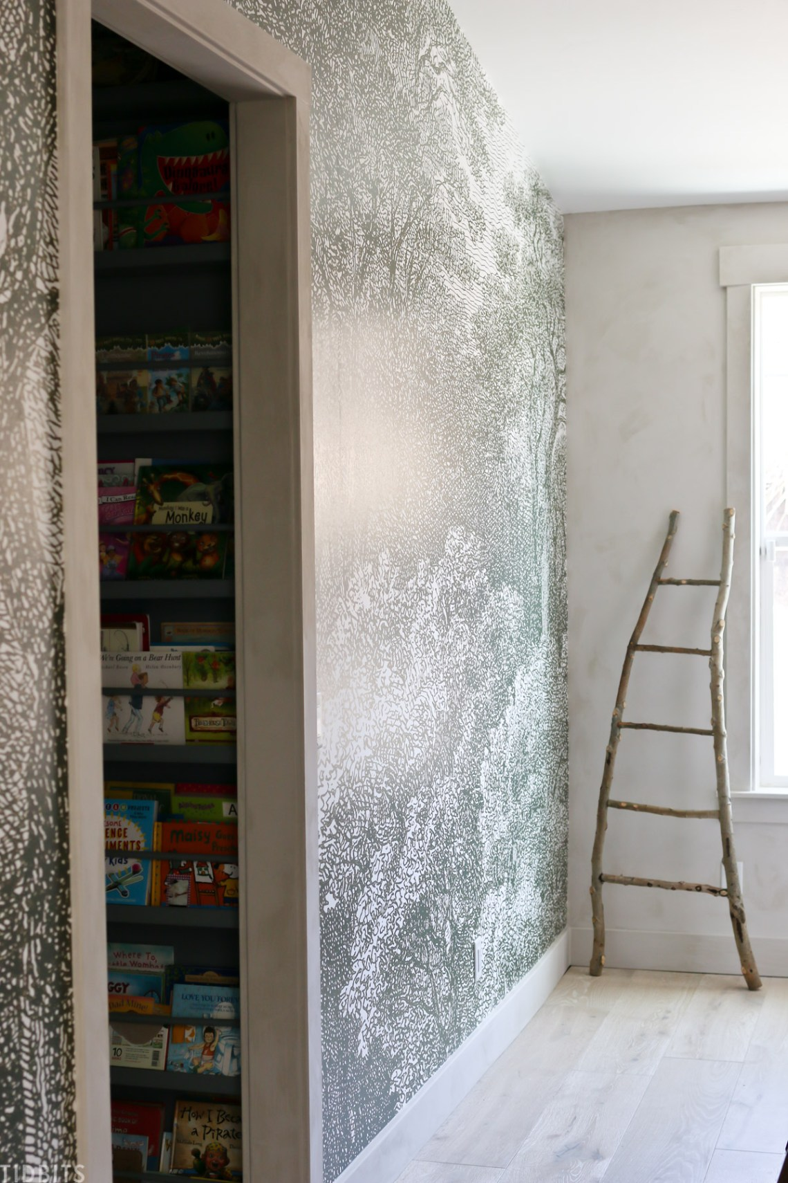 How To Apply A Mural Wallpaper And Tips For Success
