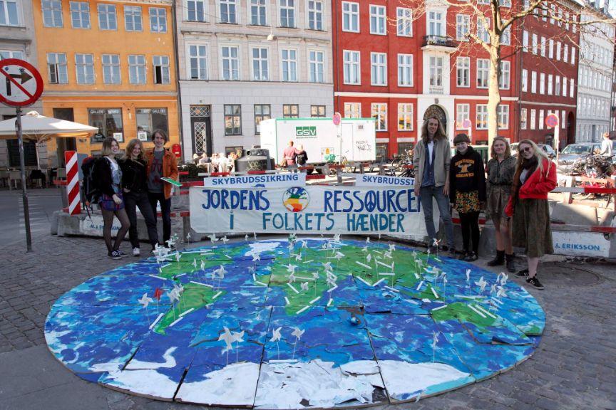 Jordens ressourcer i folkets hænder Foto: Noahs ungdom