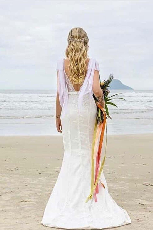 1 - Vestido de noiva estilo boho de renda com manguinha removível
