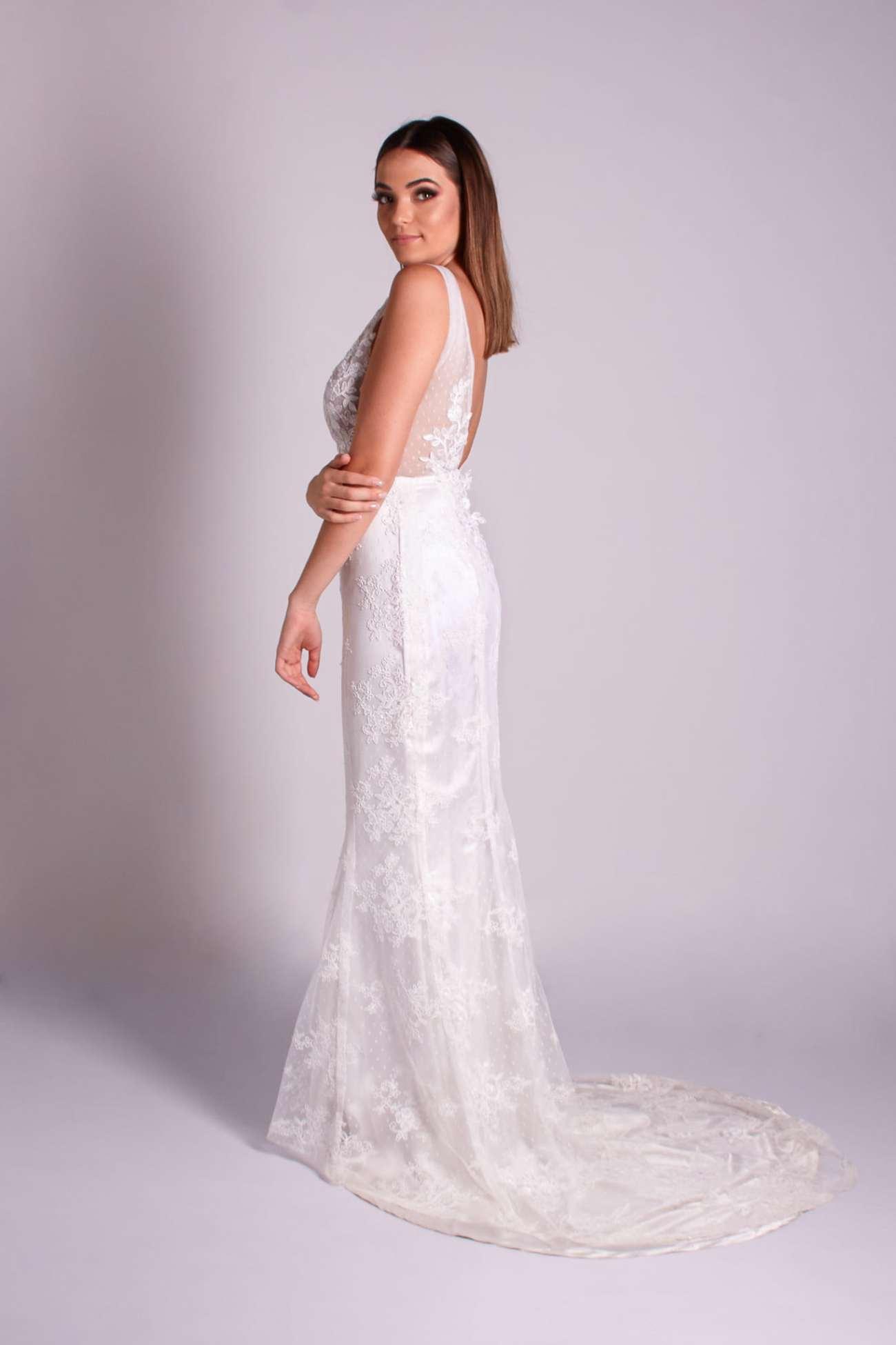5 - vestido de renda estilo boho com decote V frente e costas sereia