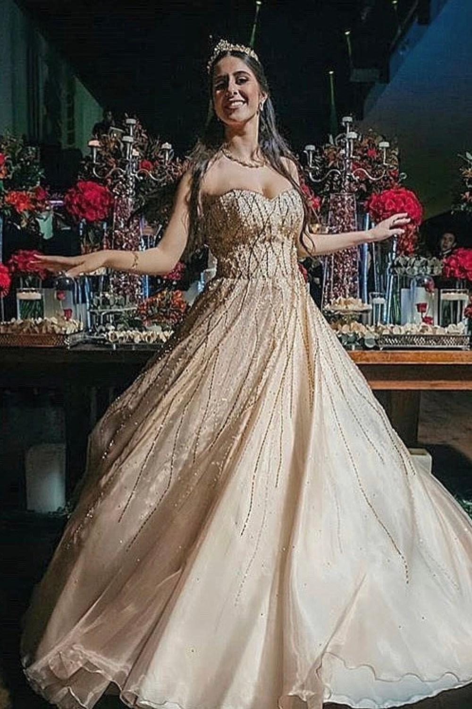 25 - Vestido de valsa dourado com cristais Swarovski