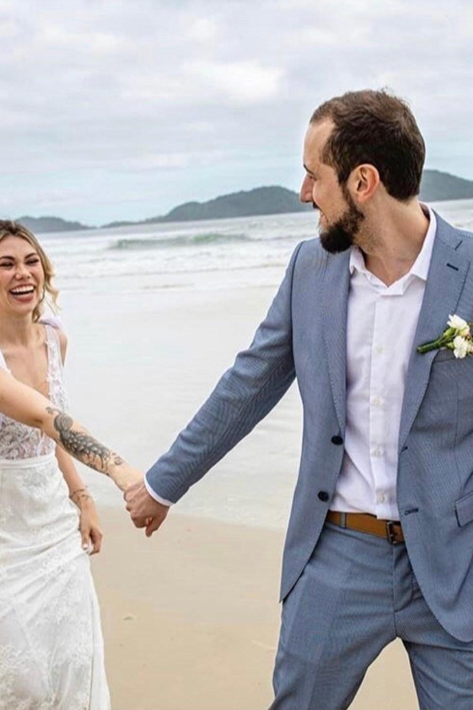 4 - Vestido de noiva estilo boho de renda com manguinha removível