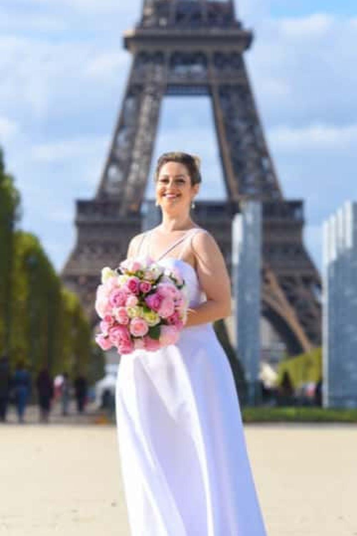 6 - Vestido de noiva estilo minimalista plus size
