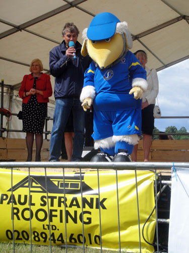Haydon the Womble opens the Wimbledon Village Fair 2011