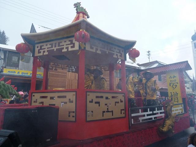 Hopferbacher Chinesen auf dem Faschingsumzug Ronsberg 2013