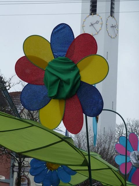 Blumen auf dem Faschingsumzug