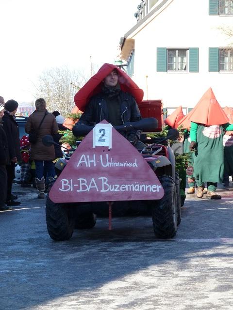 Untrasrieder Butzemänner auf dem Faschingsumzug Obergünzburg 2013