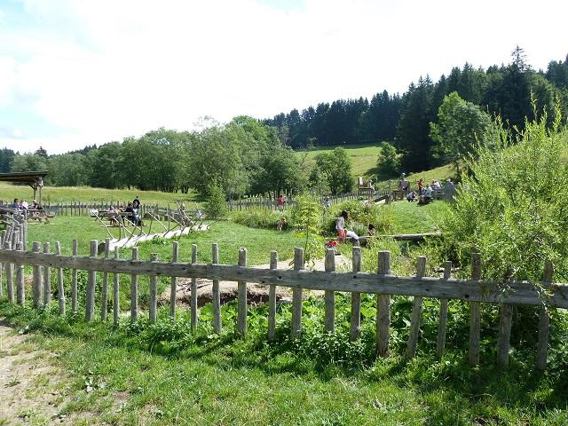 Carl-Hirnbeinweg-Wasserspielplatz