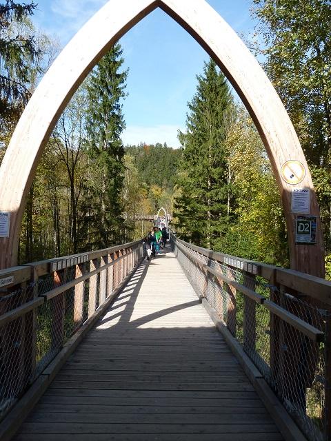 Beginn des Baumkronenweges am Walderlebniszentrum Ziegelwies