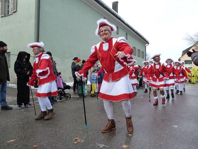 tanzende Alt-Herren-Garde aus Untrasried