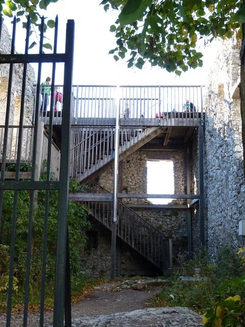 in der Burgruine Falkenstein