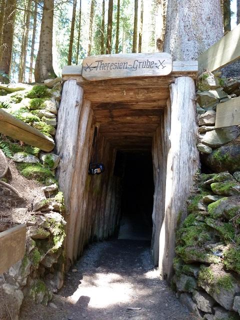 Eingang zur Theresien-Grube am Grünten