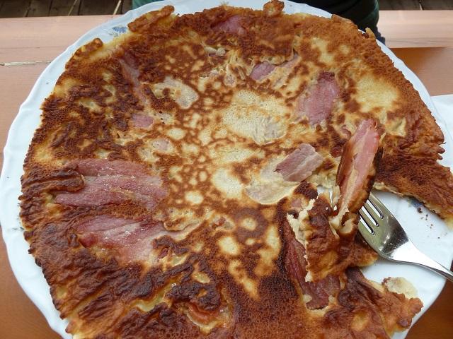 leckerer Speckpfannkuchen auf der Schlossbergalm bei Pfronten