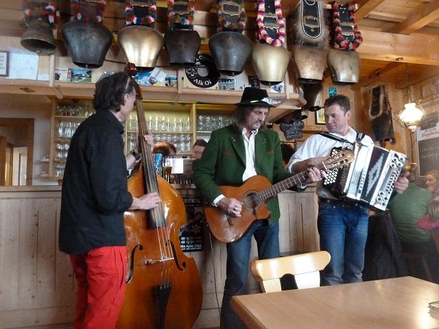 Live-Musik auf der Alpe Stubental mit Karl
