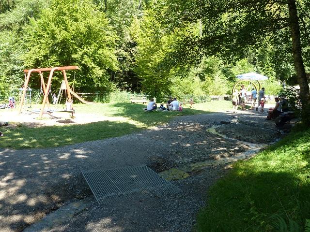 Der wasserspielplatz an den Scheidegger Wasserfällen