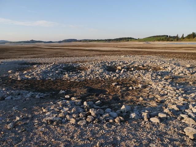 Reste eines römischen Badehauses im Forggensee