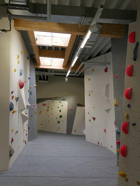 Boulder-Gänge unter dem Dach