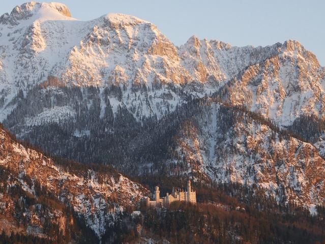 Schloss Neuschwanstein im Abendrot