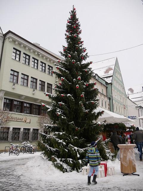 Christbaum auf dem Weihnachtsmarkt Kempten