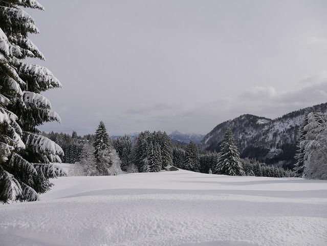 Ausblick von der Gundhütte im Winter bei Schnee
