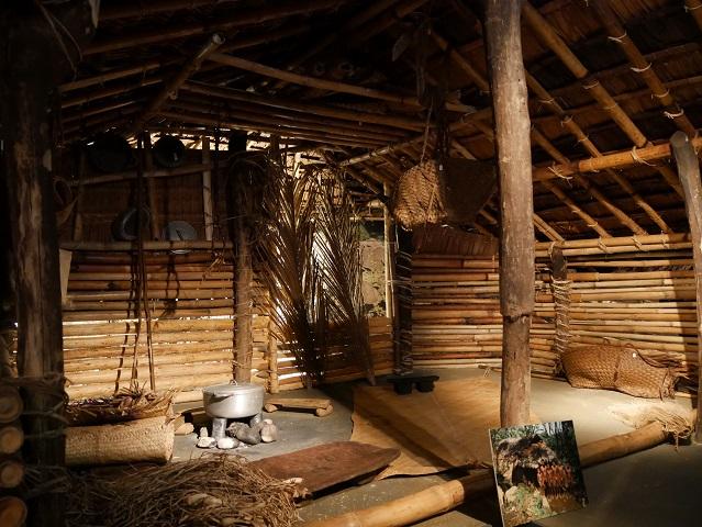 Originale Südsee-Hütte samt Innenausstattung