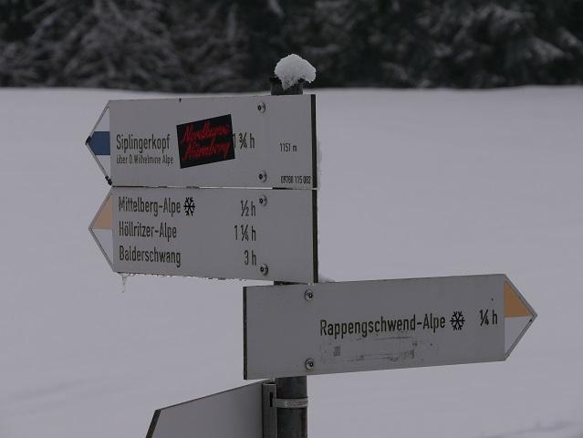 Wegweiser zur Alpe Mittelberg im Gunzesrieder Tal