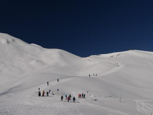 Blick von der Ifen-Bergstation auf den Gipfel des Hahnenköpfle