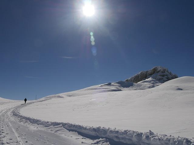 Wanderer auf dem Gottesackerplateau am Hohen Ifen im Winter