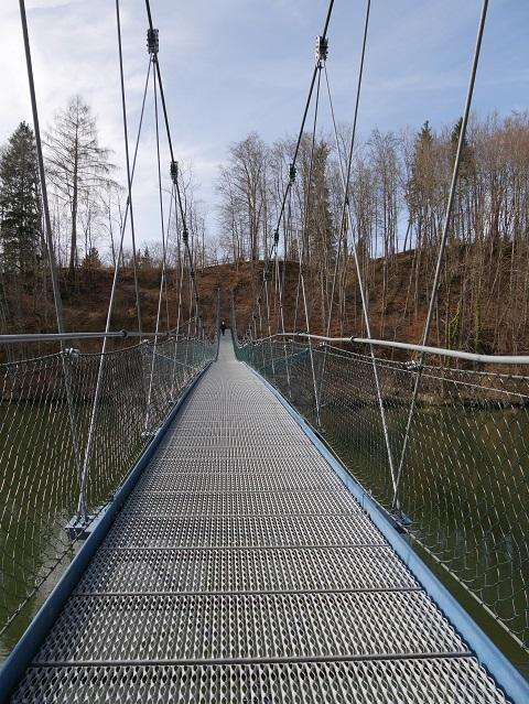 die Iller-Hängebrücke bei Altusried