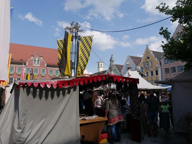 Markttreiben auf dem Frundsbergfest 2018