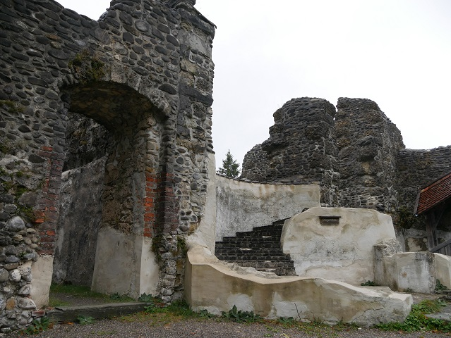 in der Ruine Alttrauchburg