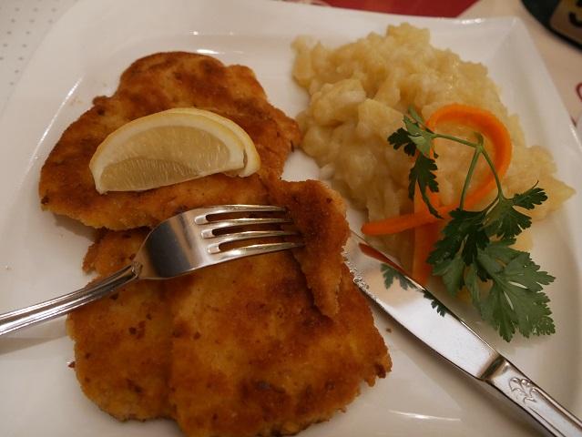 Schnitzel im Gasthof Zum Burger in Marktoberdorf