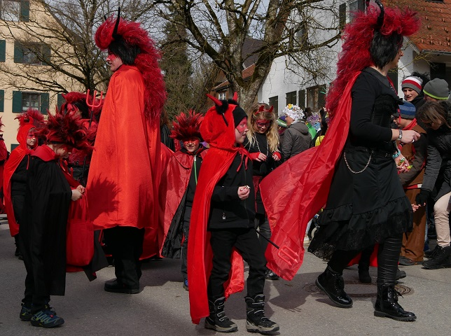 Faschingsumzug Obergünzburg 2019 - Bewohner der Teufelsküche unterwegs