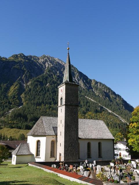 Die Kirche St. Antonius in Hinterstein im Allgäu