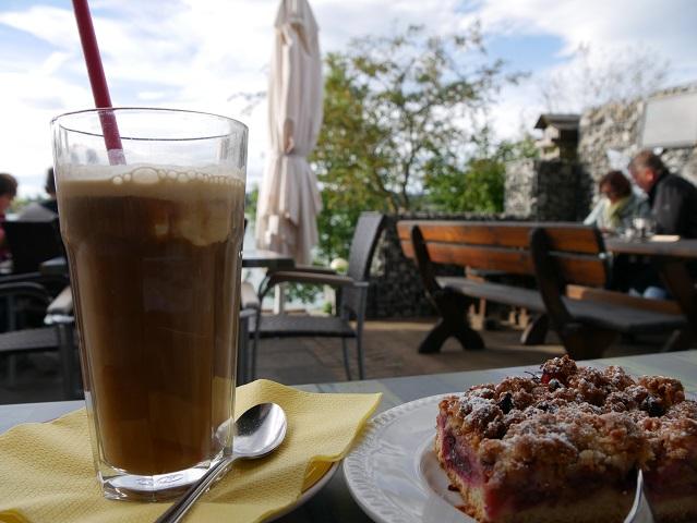 Kaffee und Kuchen am Forggensee