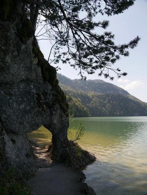 Felsentor am Südufer des Weißensees