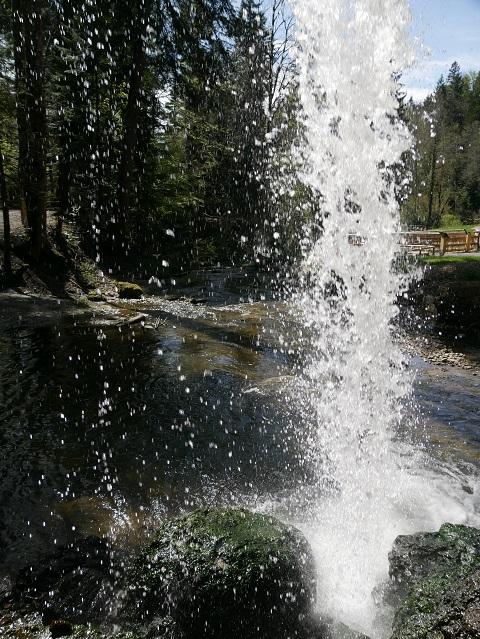 Hinter dem Wasserfall in Scheidegg