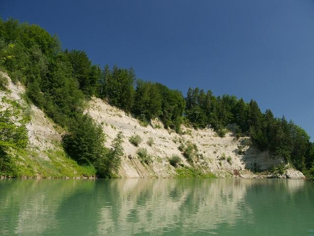 Der Illerdurchbruch bei Altusried vom Fluss aus gesehen