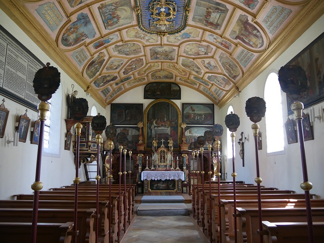 Innenansicht der Riedkapelle im Benninger Ried