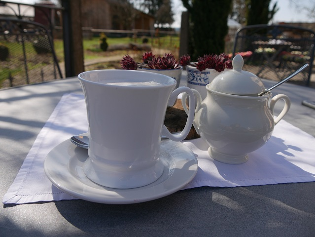 Kaffeepause im Café im Kräuterhof in Ingenried