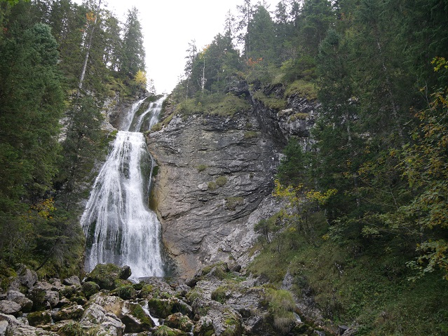 Kenzenfall bzw. Kenzen-Wasserfälle nahe der Kenzenhütte