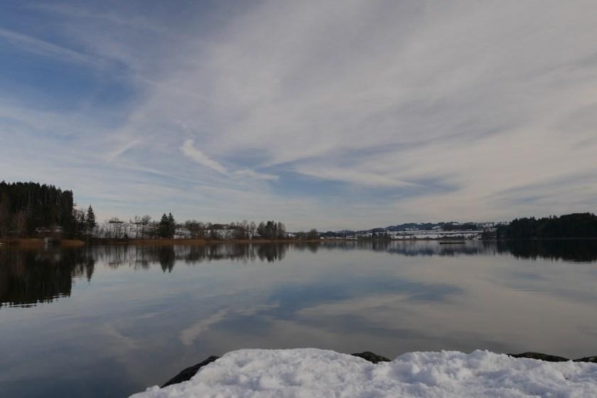 Niedersonthofener See - Blick vom Südufer im Winter